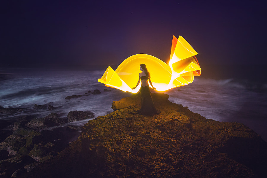 Playing with lights by the sea by Eric  Paré on 500px.com
