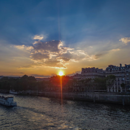 Sunset over the Seine, Canon POWERSHOT ELPH 320 HS