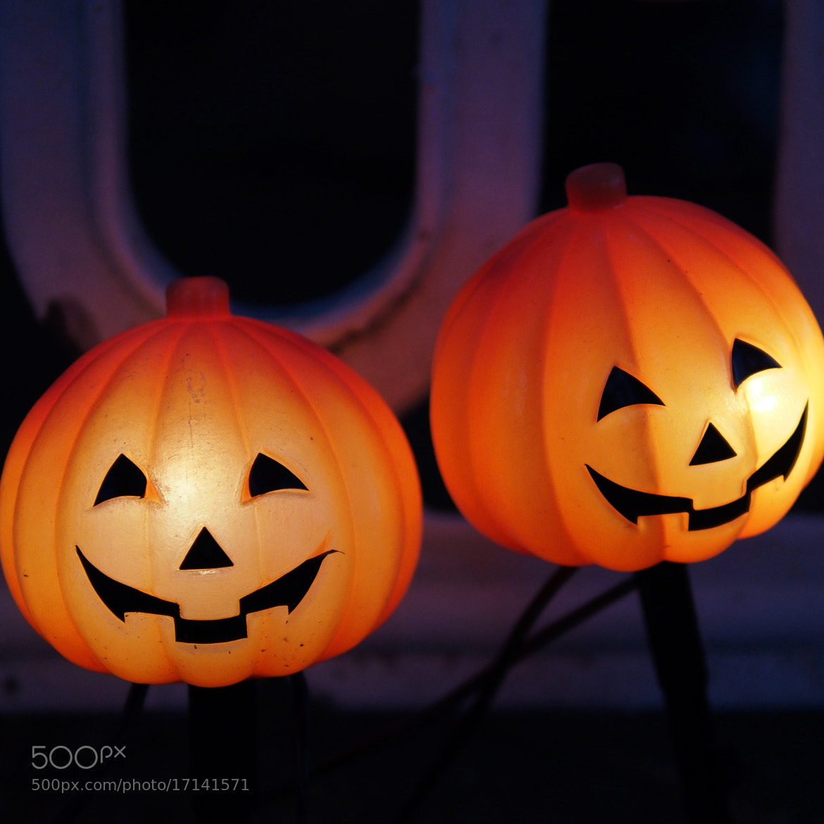 Photograph trick or treaters by Jack Thielepape on 500px
