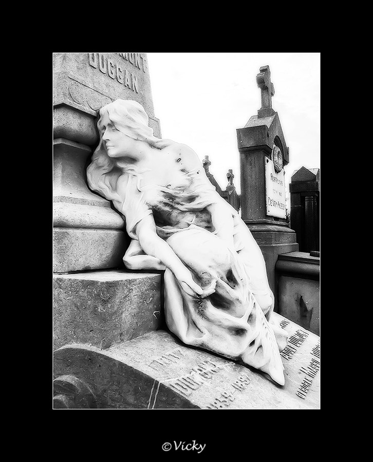 Photograph on an old graveyard, Belgium by Vicky Dens on 500px