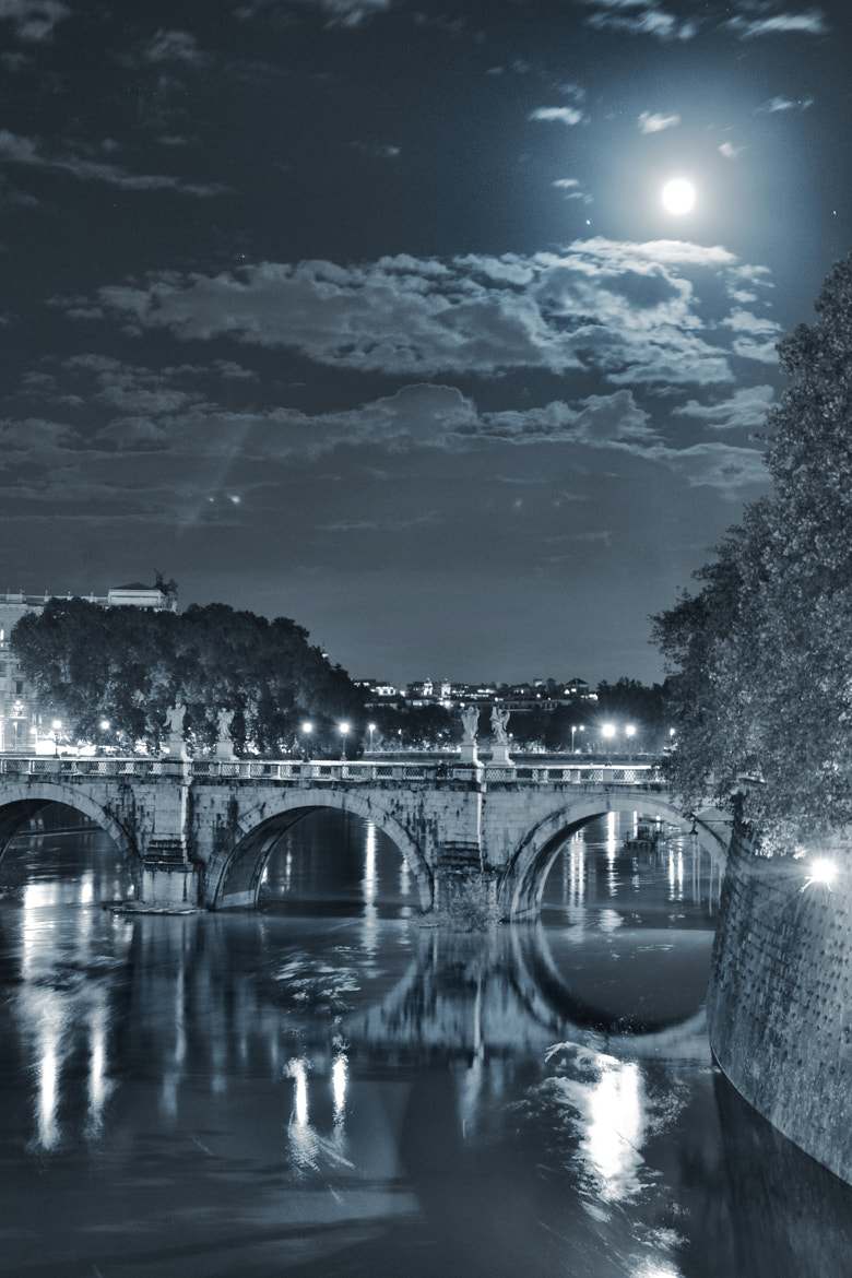 Photograph Tevere by night by Ettore  Mongelli on 500px