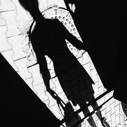 the shadow of the, Sony DSLR-A580, Tamron SP AF 17-35mm F2.8-4 Di LD Aspherical IF