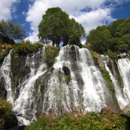 Shake waterfall