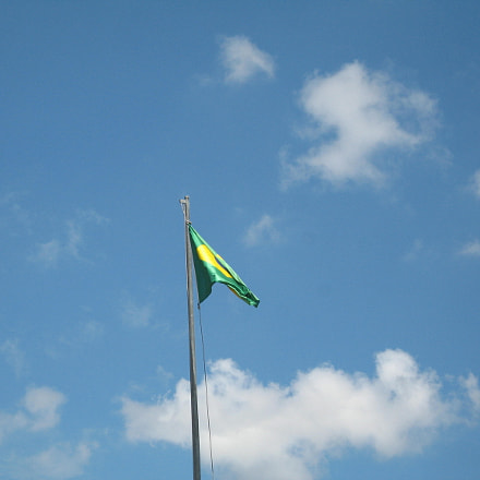 Flag in sky, Canon IXY DIGITAL 700