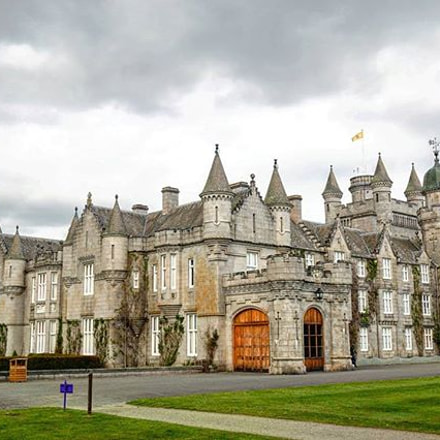 Balmoral Castle - The hollyday of The Queen Of England