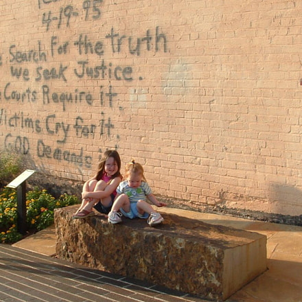 Kids at OKC Bombing, Fujifilm FinePix S3000