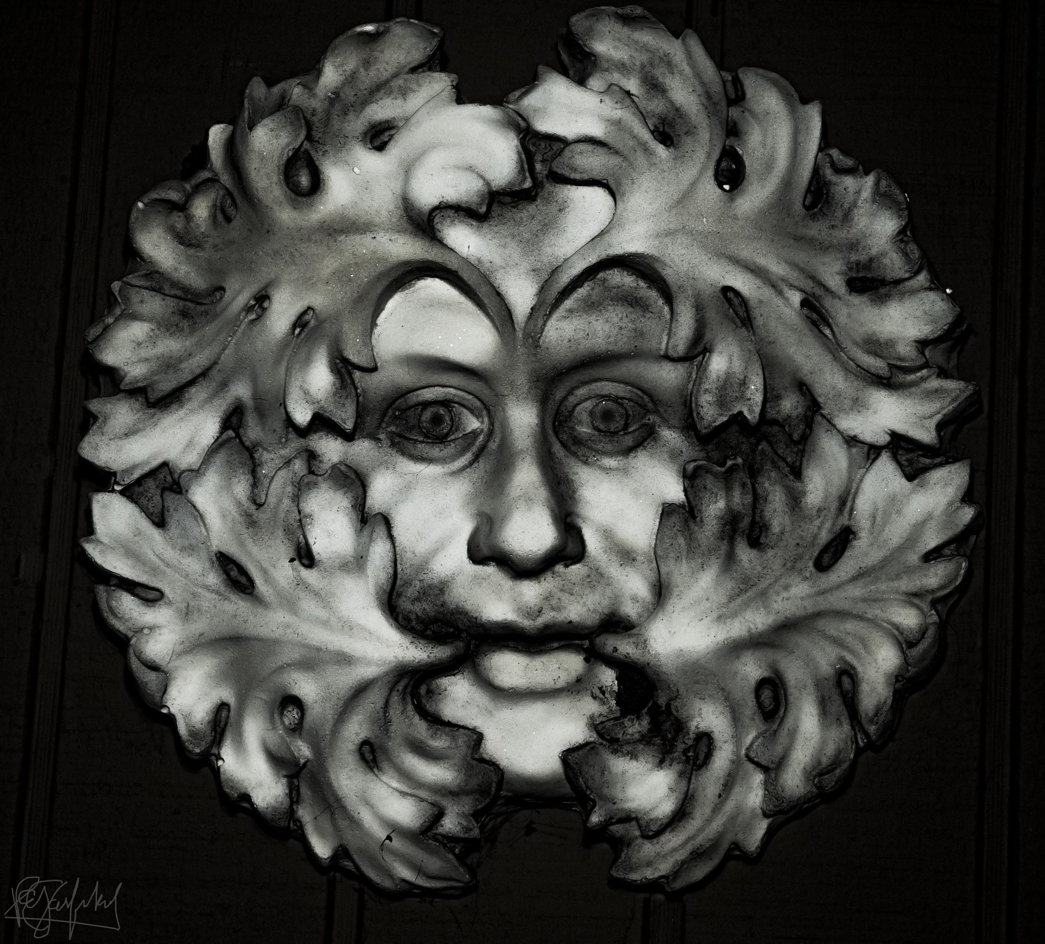 Photograph Face on the Wall by Paul Garfinkel on 500px