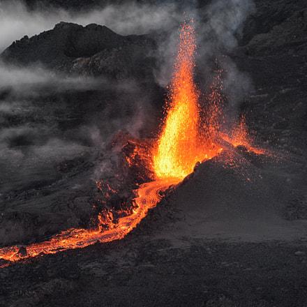 Volcanic eruption Piton de la Fournaise 3-09/2016