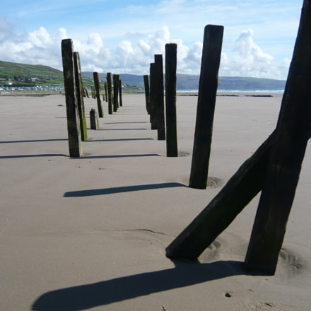 wooden poles on beach, Panasonic DMC-FX33