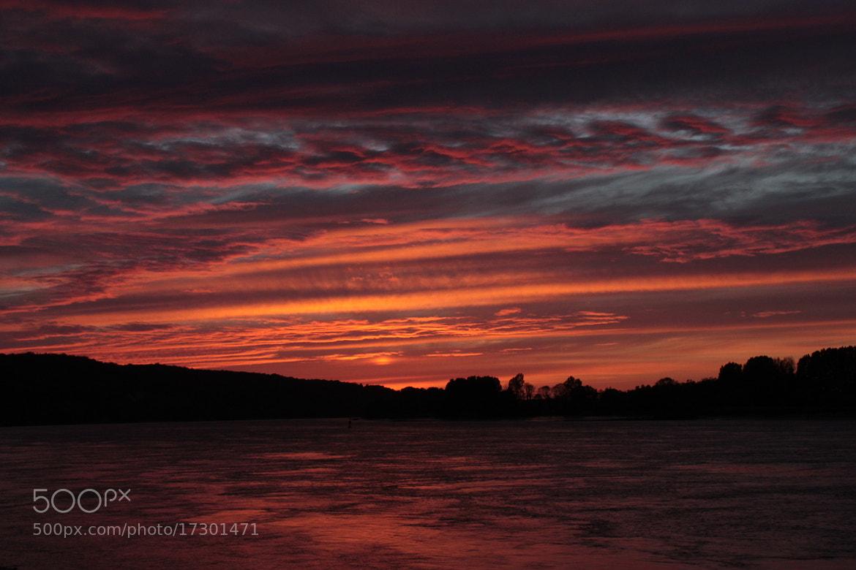 Photograph Sunset Seine, Normandie by Laura Dubbeldam on 500px