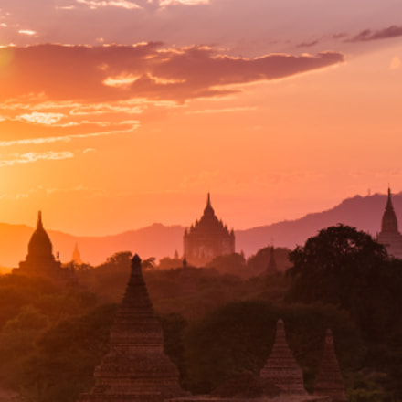 Bagan in the sunset