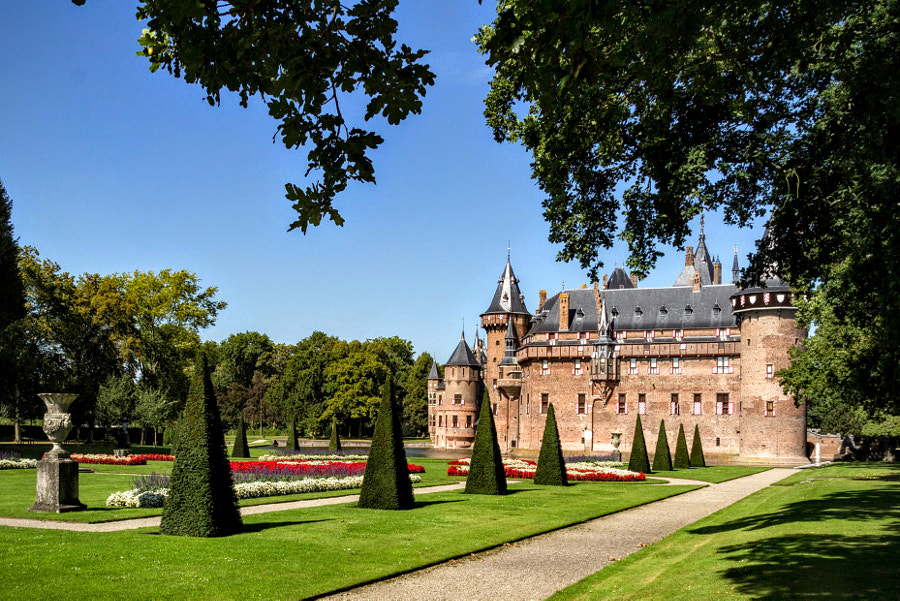 To the Castle by Grazia Hattem on 500px.com