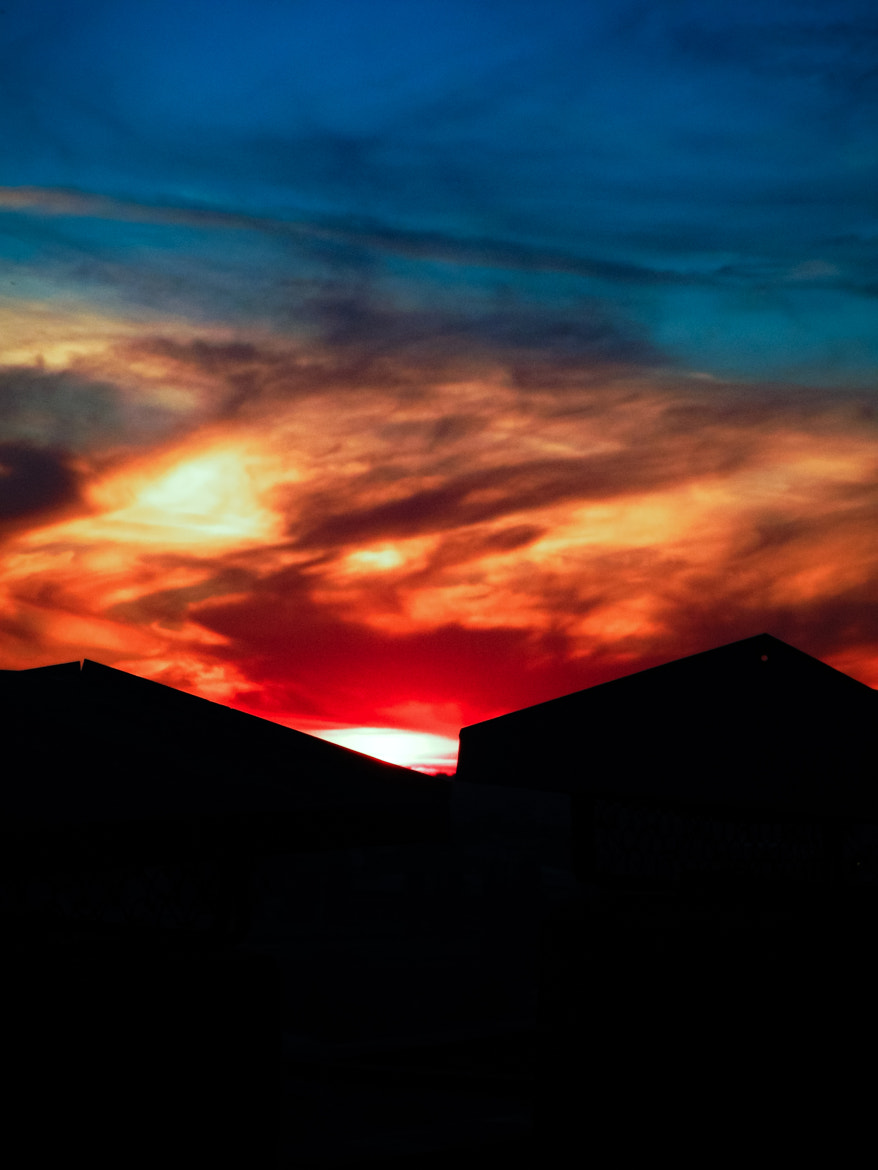 Photograph On the roof by Adrian Roditis on 500px