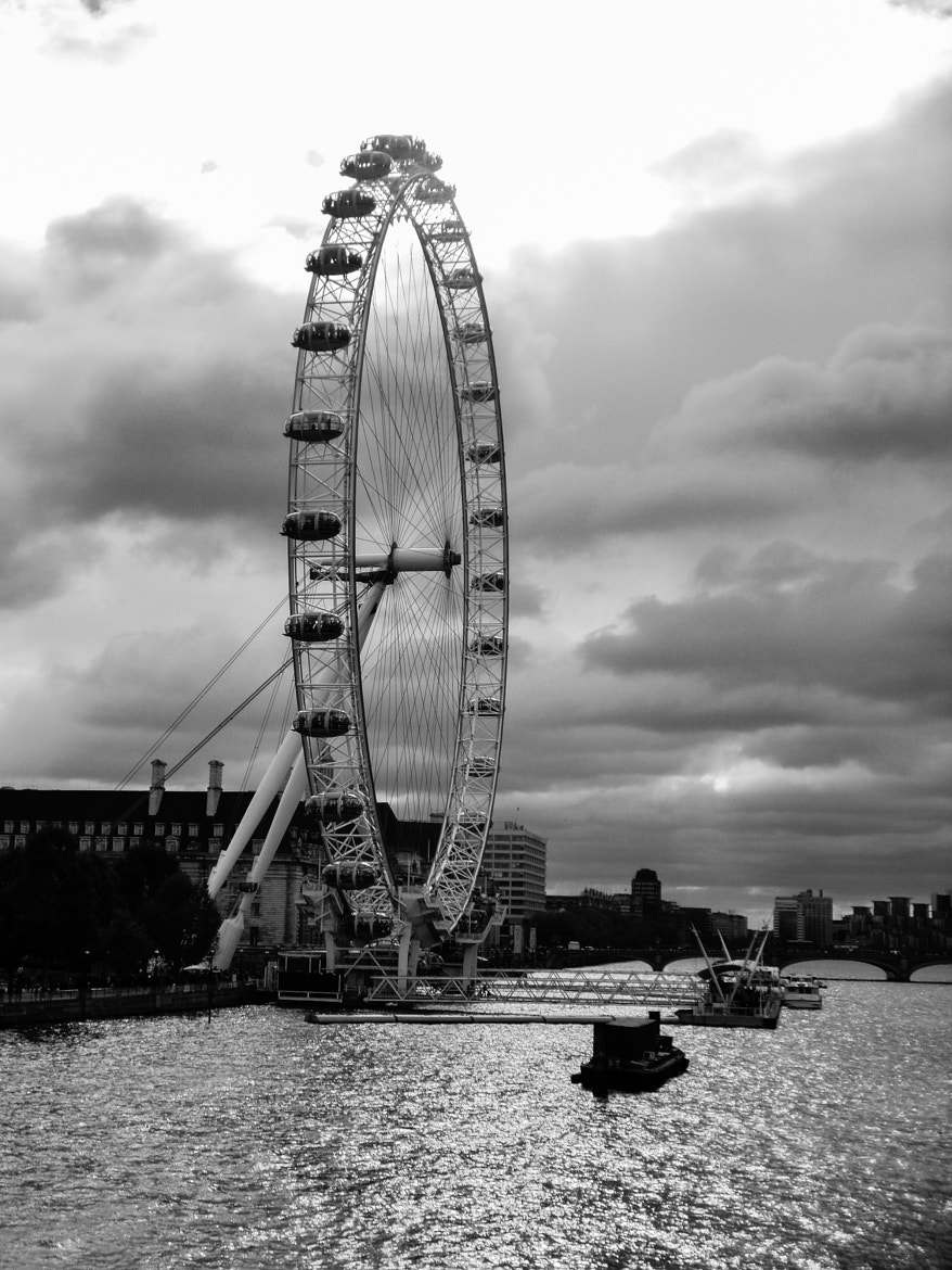 Photograph London Eye by Mike Howe on 500px