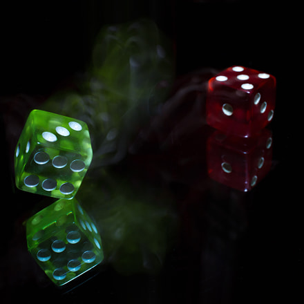 Two thrown dice in, Canon EOS 5D MARK III, Sigma 50mm f/2.8 EX