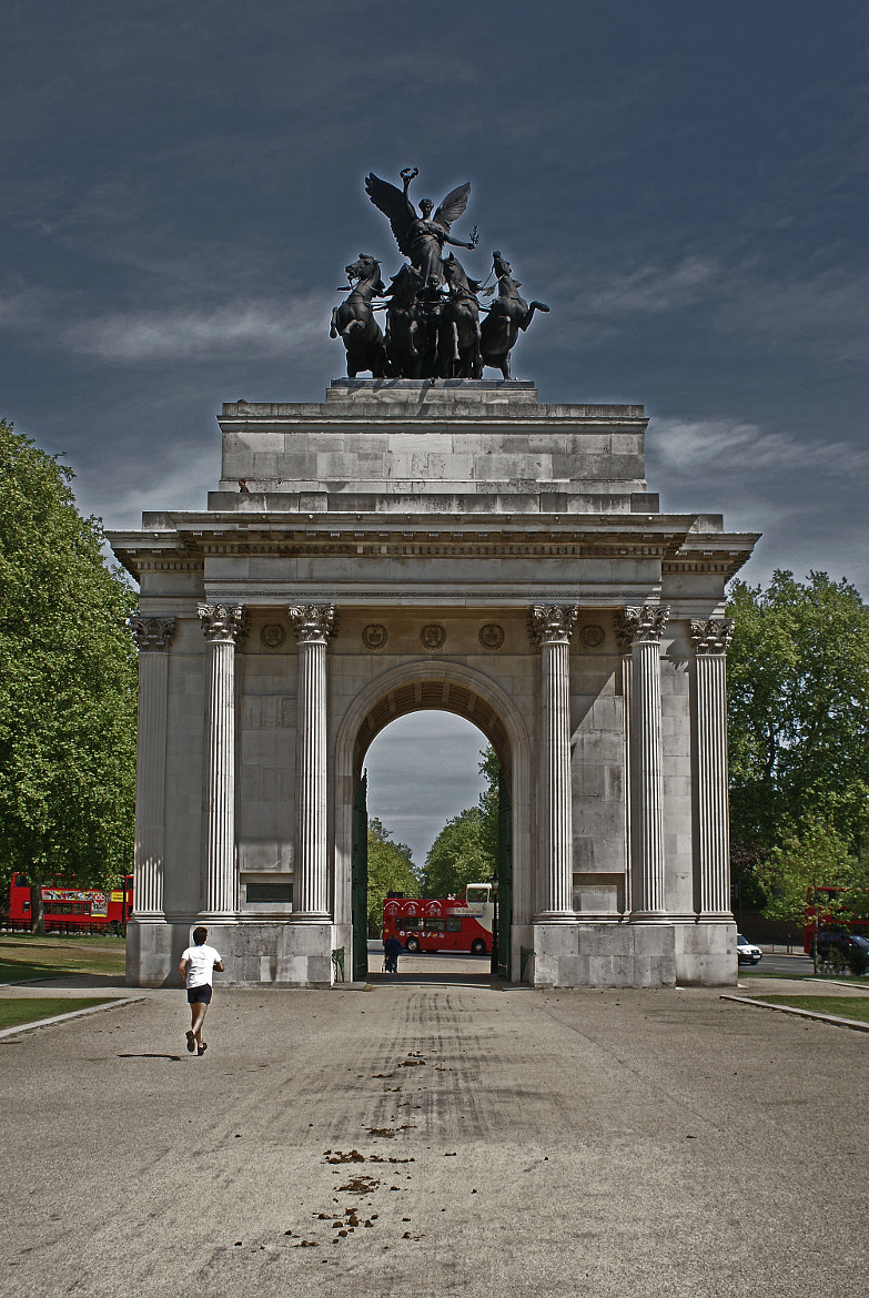 Photograph Wellington Arch, Hyde Park Corner by James Currie on 500px