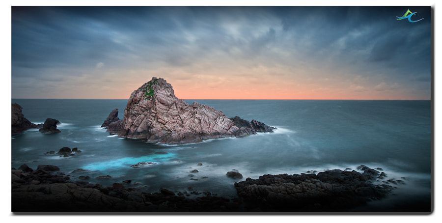 This is the first time I have been able to capture Sugarloaf rock. I am currently down south in WA, to participate in the Ninety Degrees 5 (ND5) workshop, and listening to some of Australia's best landscape photographers, including my landscape idol Christian Fletcher. 