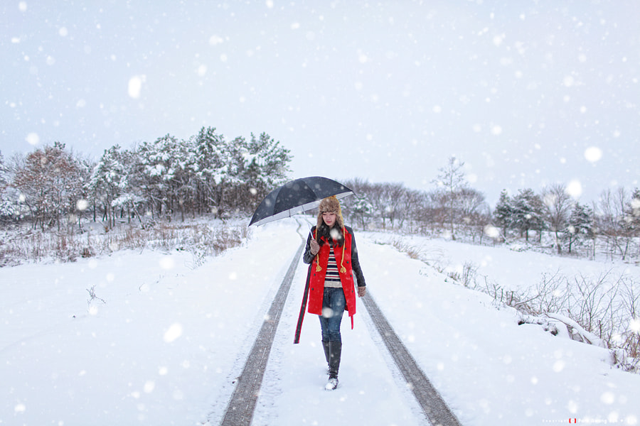 Photograph Lady in snow by Kwang_Bok Park on 500px