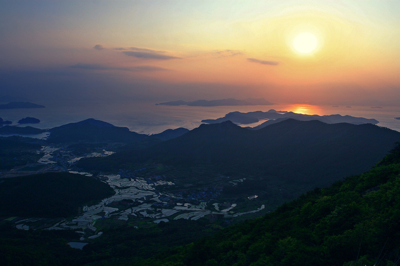 Photograph The sunset over southen sea by Bosun Hong on 500px