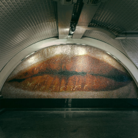 Lip in the Metro