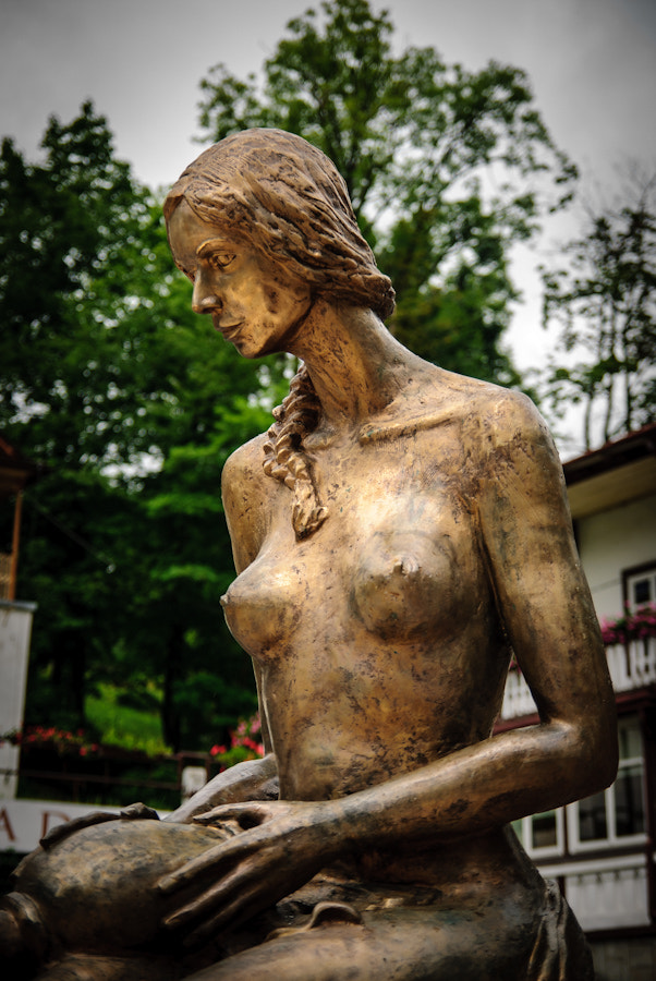 Photograph Bronze woman without bra by Bartek Papierski on 500px
