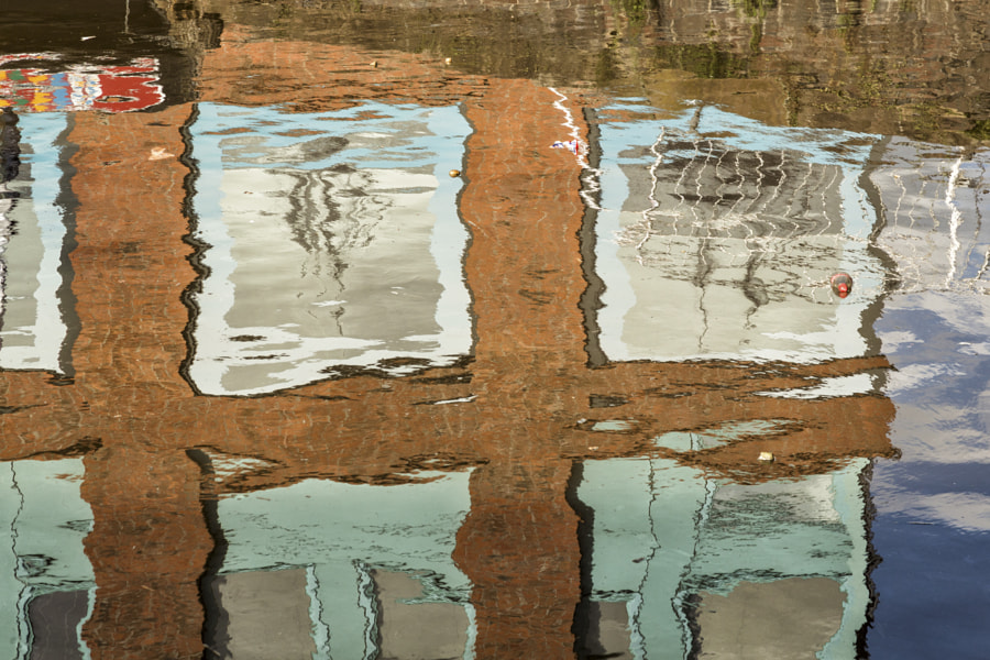 Gloucester docks reflection