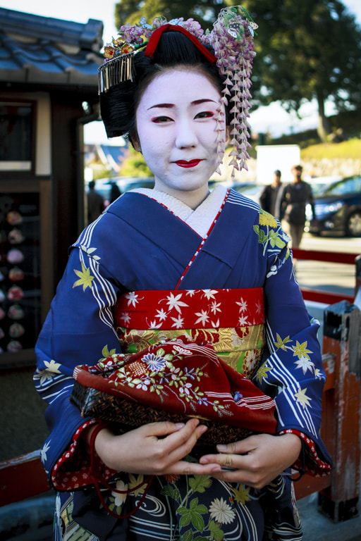 Photograph Maiko in Kyoto by Jesús Vallejo on 500px