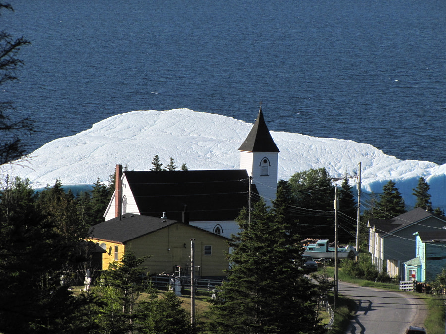 this iceberg stayed in the Britannia area for several weeks this year
