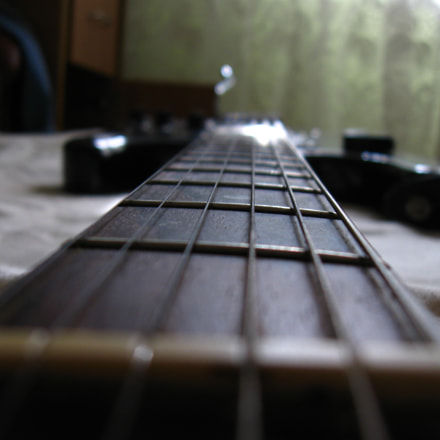 guitar, Canon POWERSHOT A590 IS