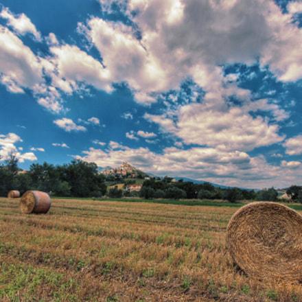 In lontananza il borgo di Casoli (CH) - Italy