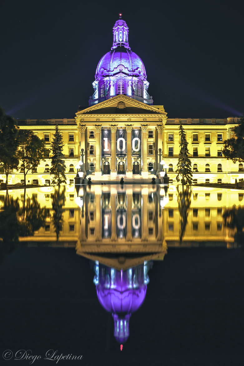 Photograph The legislature lit up for 100 years anniversary  by Diego Lapetina on 500px