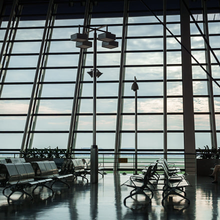 airport, waiting, Sony ILCA-77M2, Sigma DC 18-125mm F4-5,6 D
