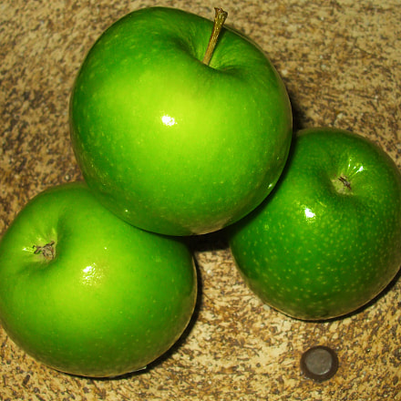 Green Apples, Fujifilm FinePix A820