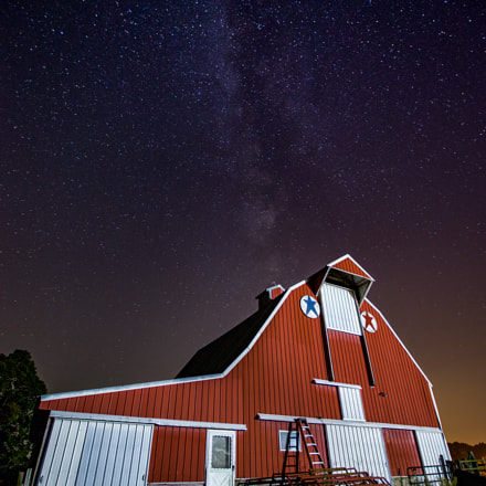 Night Barn, Canon EOS-1D C, Canon EF 16-35mm f/2.8L II