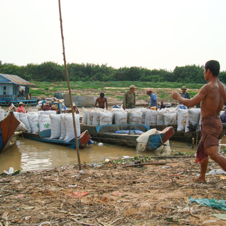 Tonle Sap Worker, Sony DSC-W200