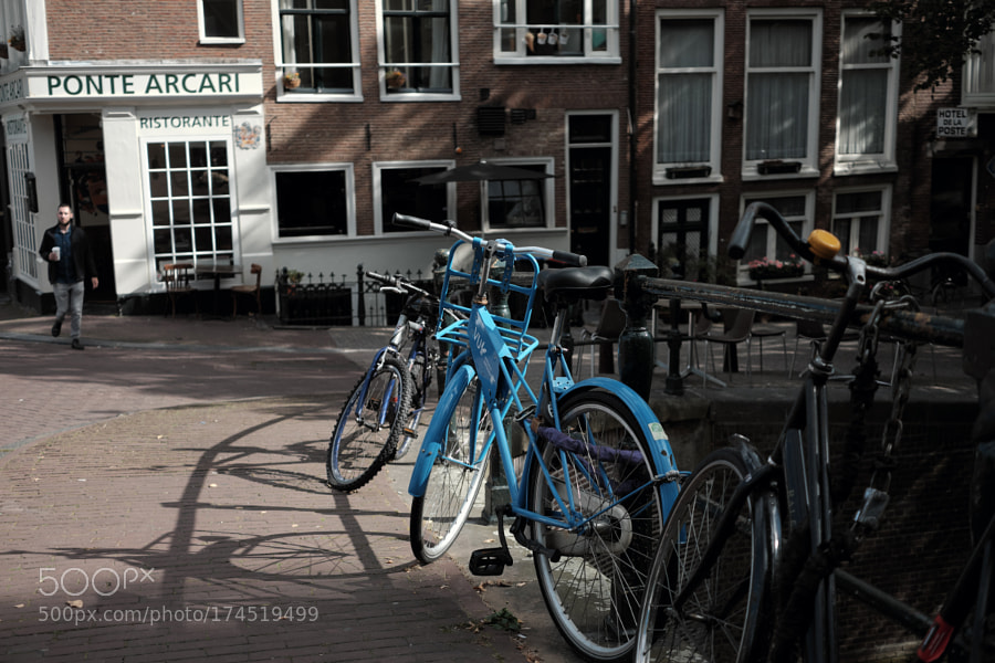 Bike at canal in Amsterdam 31