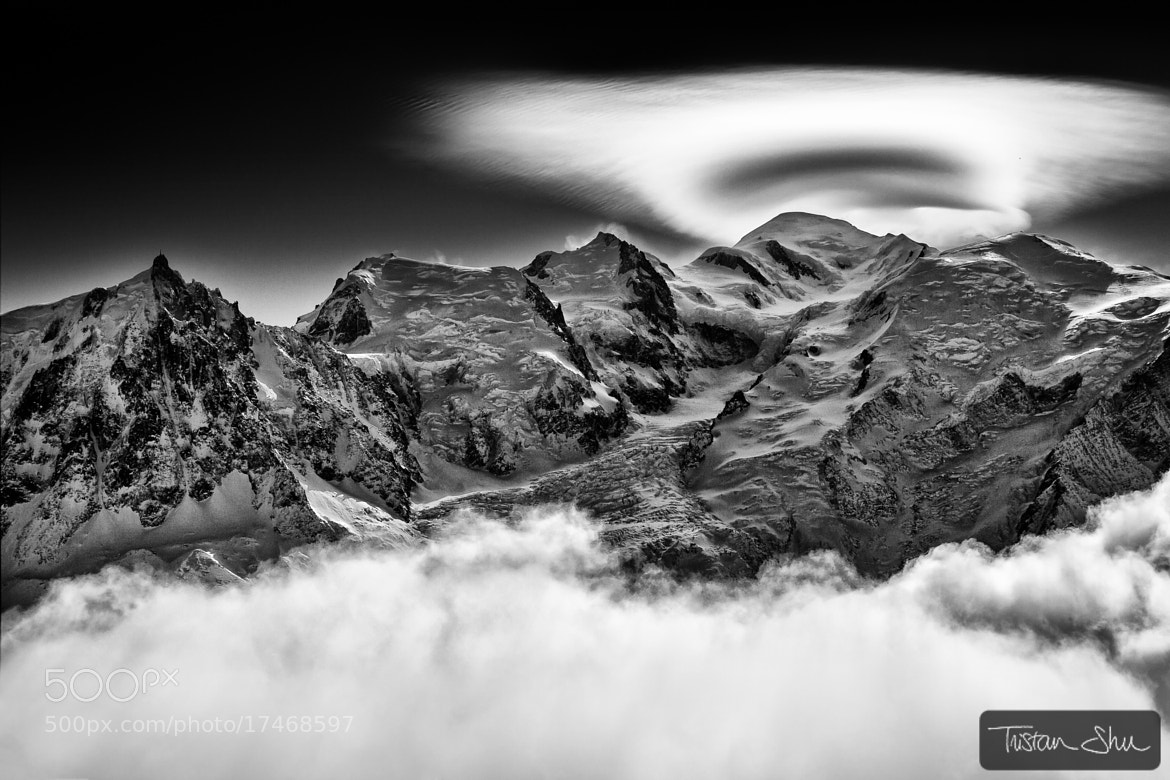 Photograph Lenticullaire sur le Mont Blanc by Tristan Shu on 500px