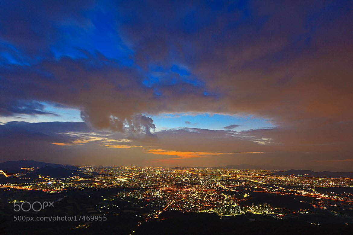 Photograph A night view of Seoul by Bosun Hong on 500px