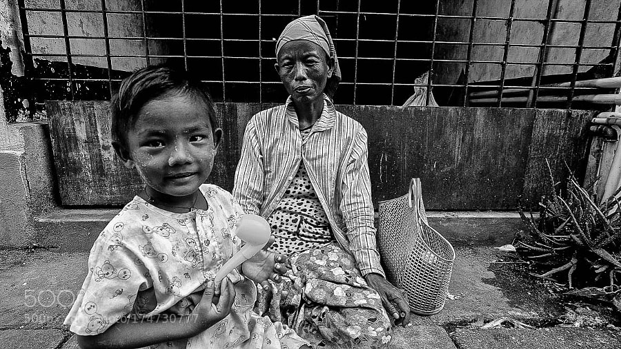Grandmother and Granddaughter, Yangon, Myanmar