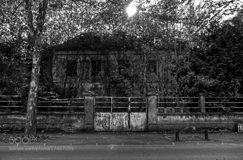 Photograph Auxerre, ville meurtrie ... by Rimbault Titouan on 500px
