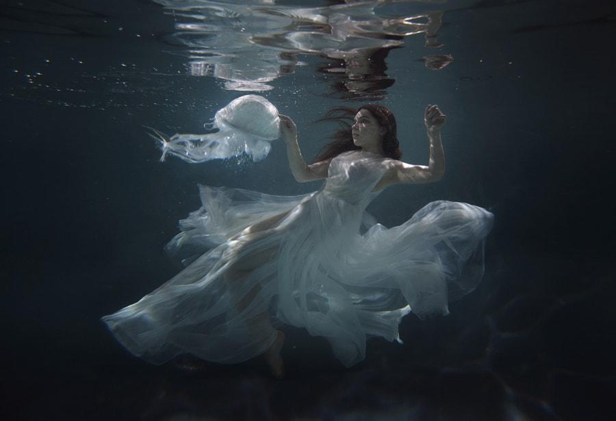 underwater by Katerina Plotnikova on 500px.com