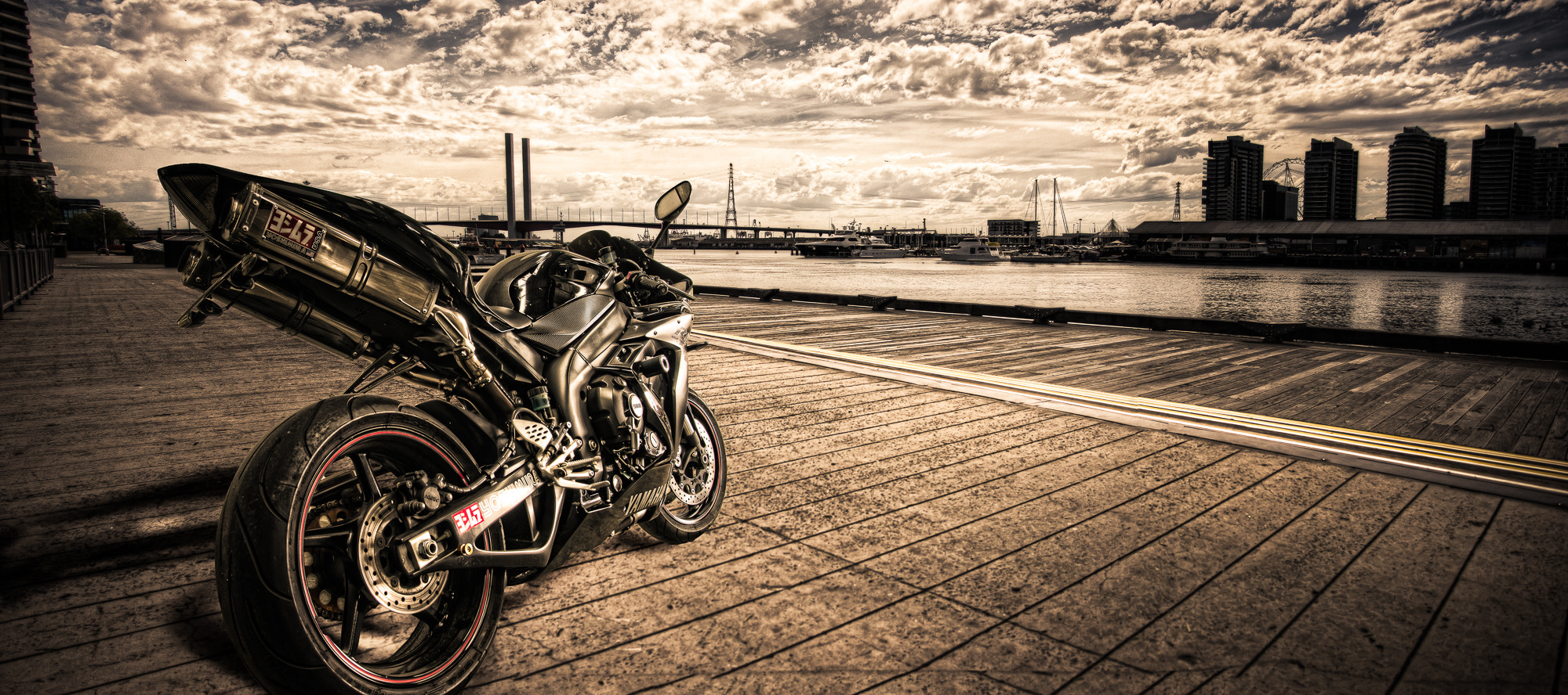 Photograph Yoshimura R1- JMS Tuning by Matt Thomson on 500px