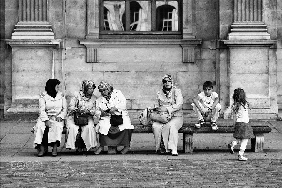 Photograph Conversations between women by Laurent DUFOUR on 500px