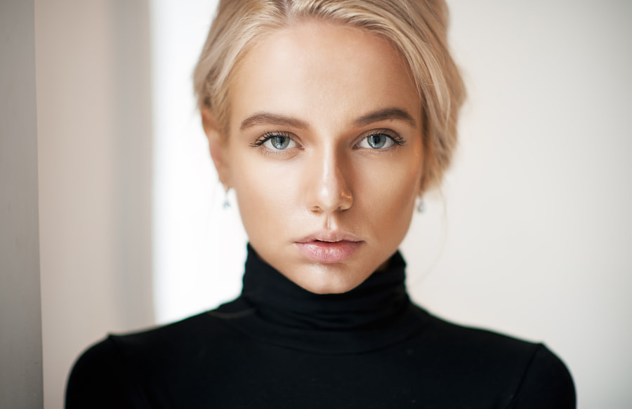 Portrait by Maxim Maximov on 500px.com