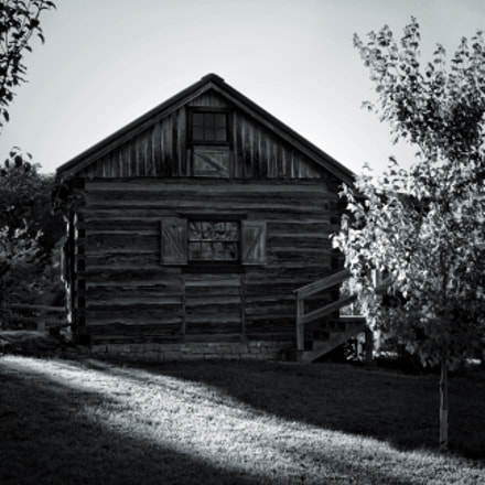 The Calloway Homestead, Canon EOS DIGITAL REBEL XS, Tamron AF Aspherical 28-200mm f/3.8-5.6