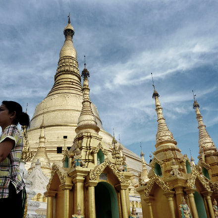 golden Shwedagon Pagoda, Panasonic DMC-ZS3
