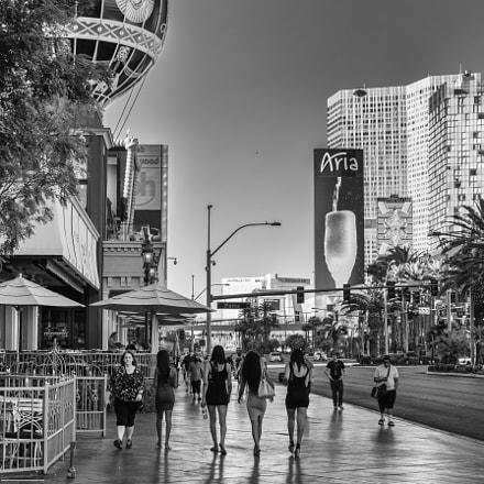 The Streets Of Vegas, Canon EOS 70D, Sigma 18-35mm f/1.8 DC HSM