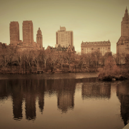 Reflexion from Central Park, Fujifilm FinePix T550