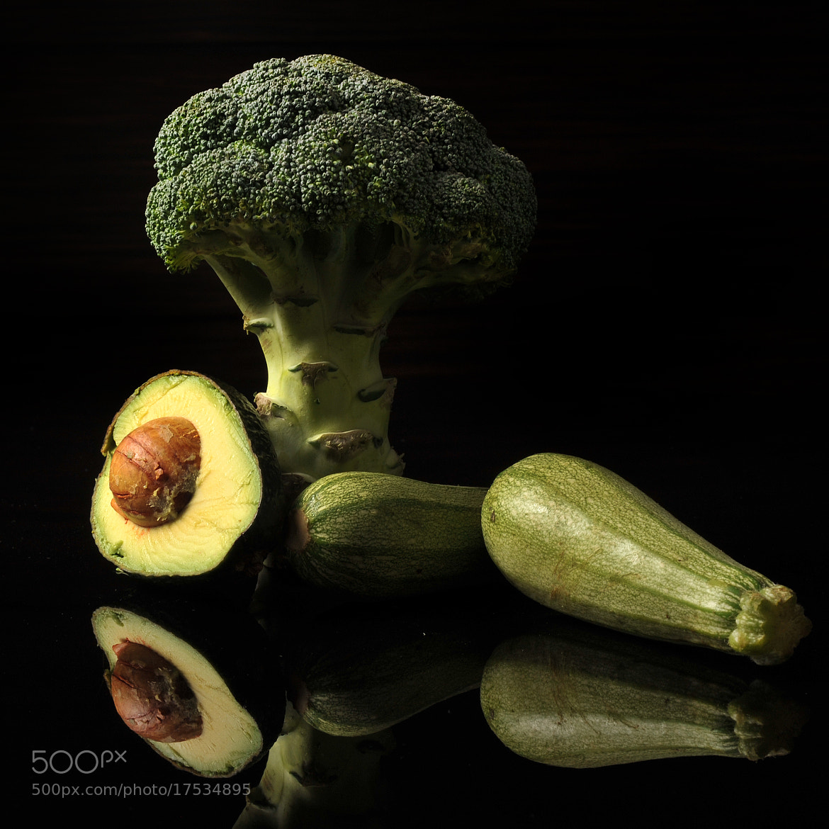 Photograph Broccoli, avocado and zuccini by Cristobal Garciaferro Rubio on 500px