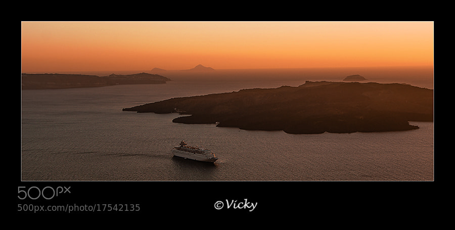 Photograph the last ferry, Santorini by Vicky Dens on 500px